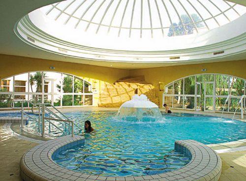 Grande thalasso avec piscine